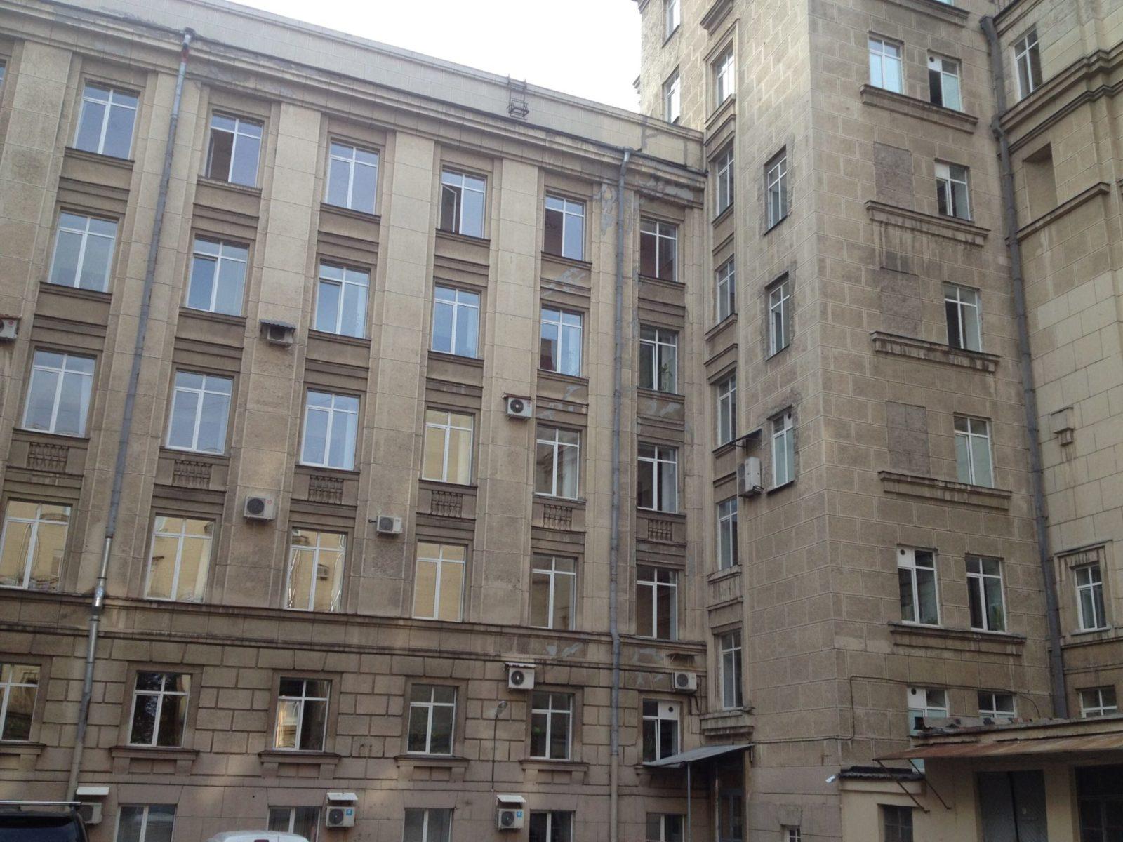 Ремонт фасадной части ОАО «ХОЛДИНГОВАЯ КОМПАНИЯ «ЛЕНИНЕЦ» в Петербурге