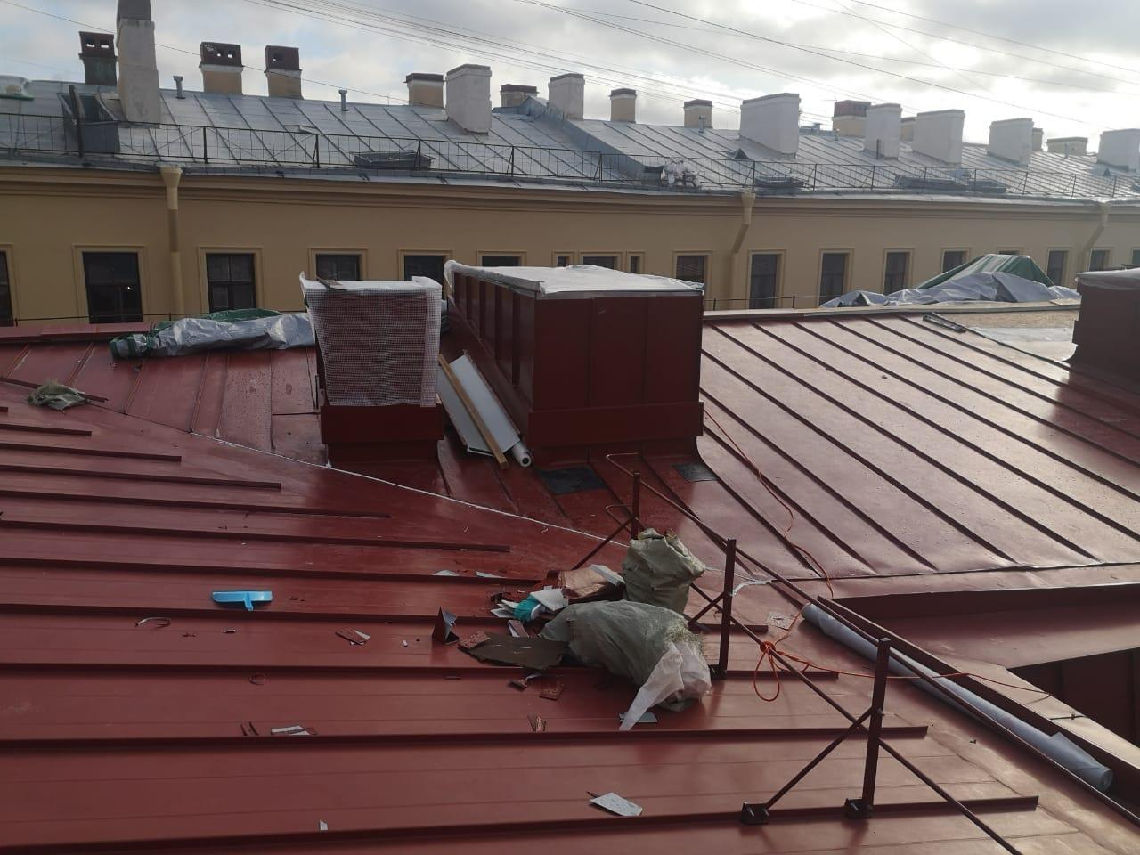 Цена монтажных работ вентиляционных каналов кровли здания в СПб