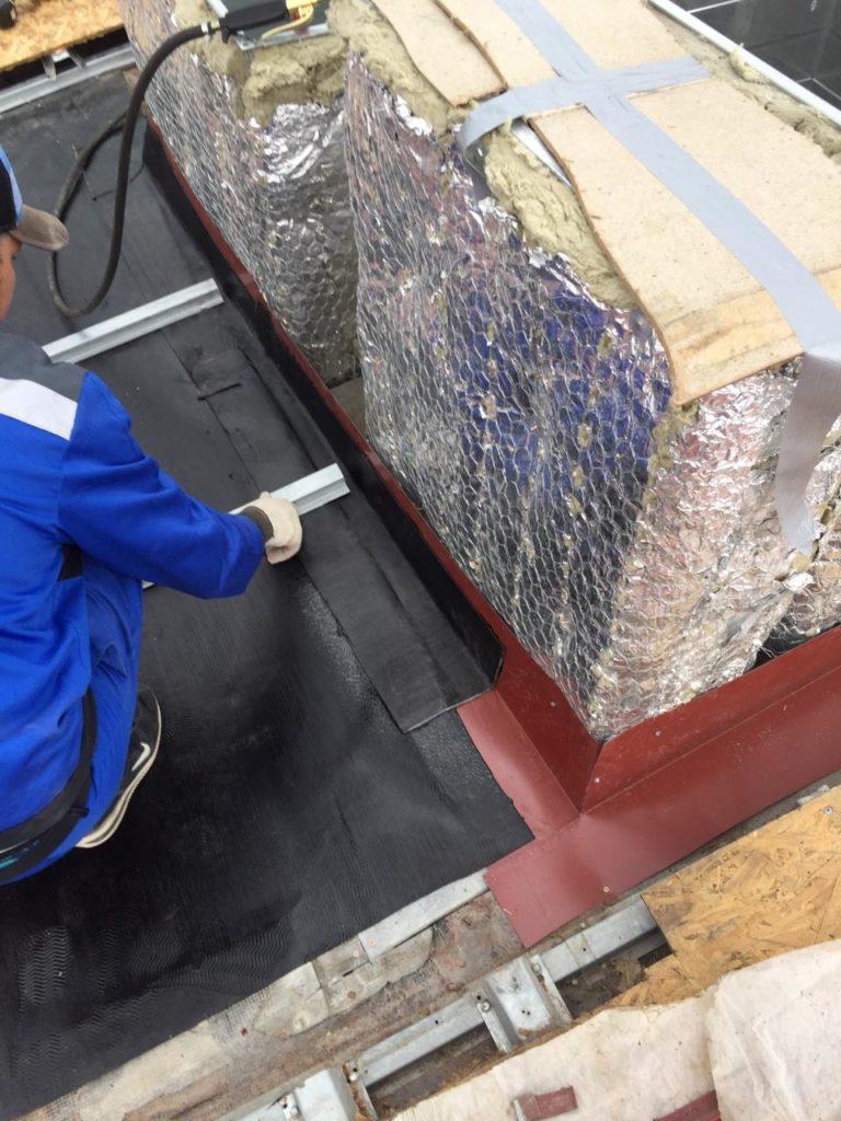 Цена монтажных работ вентиляционных каналов кровли здания в Петербурге
