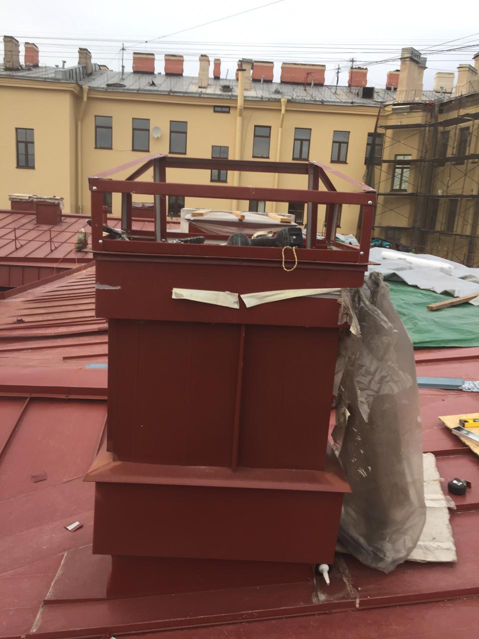 Цена монтажа вентиляционных каналов кровли здания в Петербурге