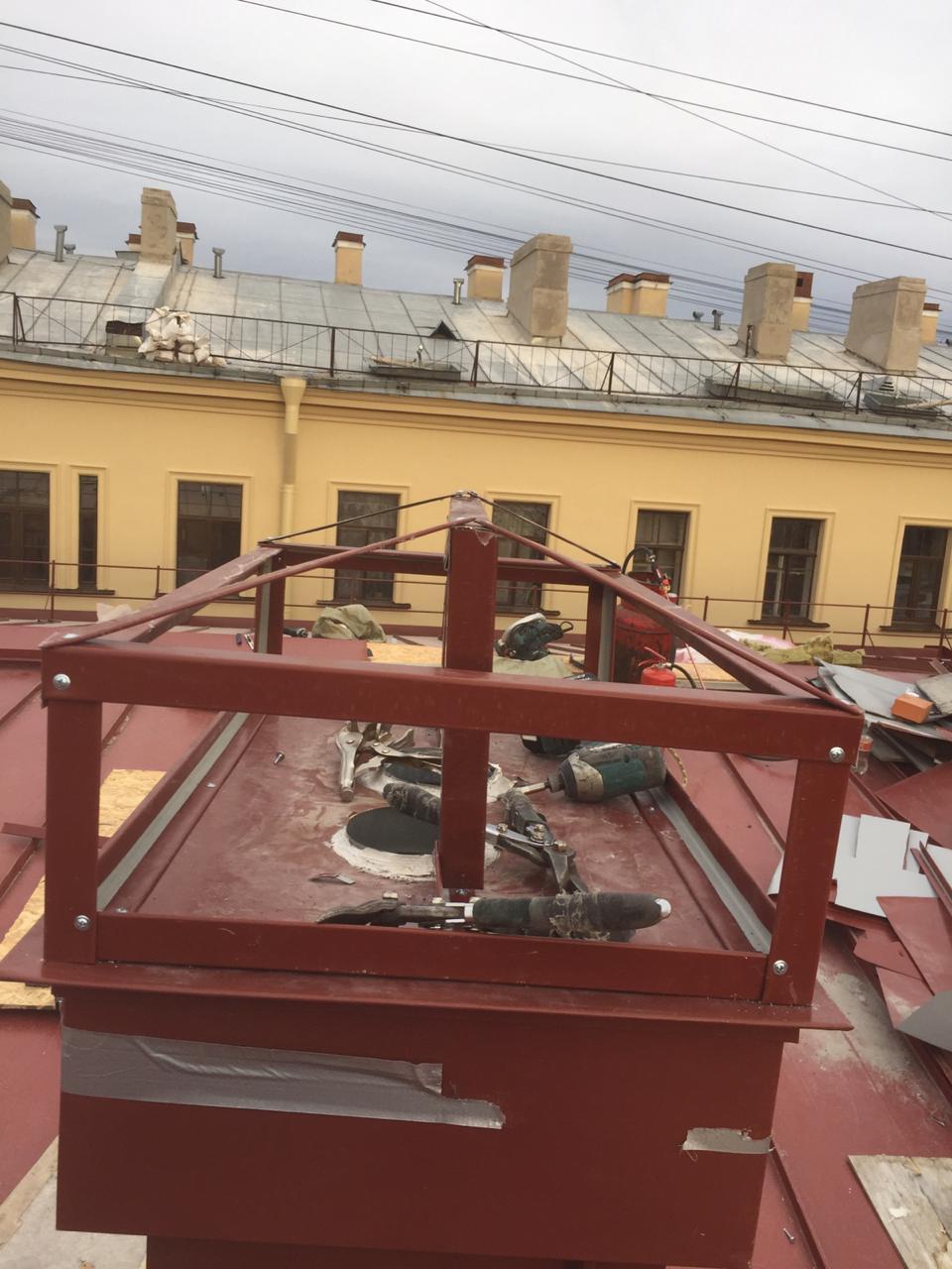 Цена монтажа вентиляционных каналов кровли здания в СПб