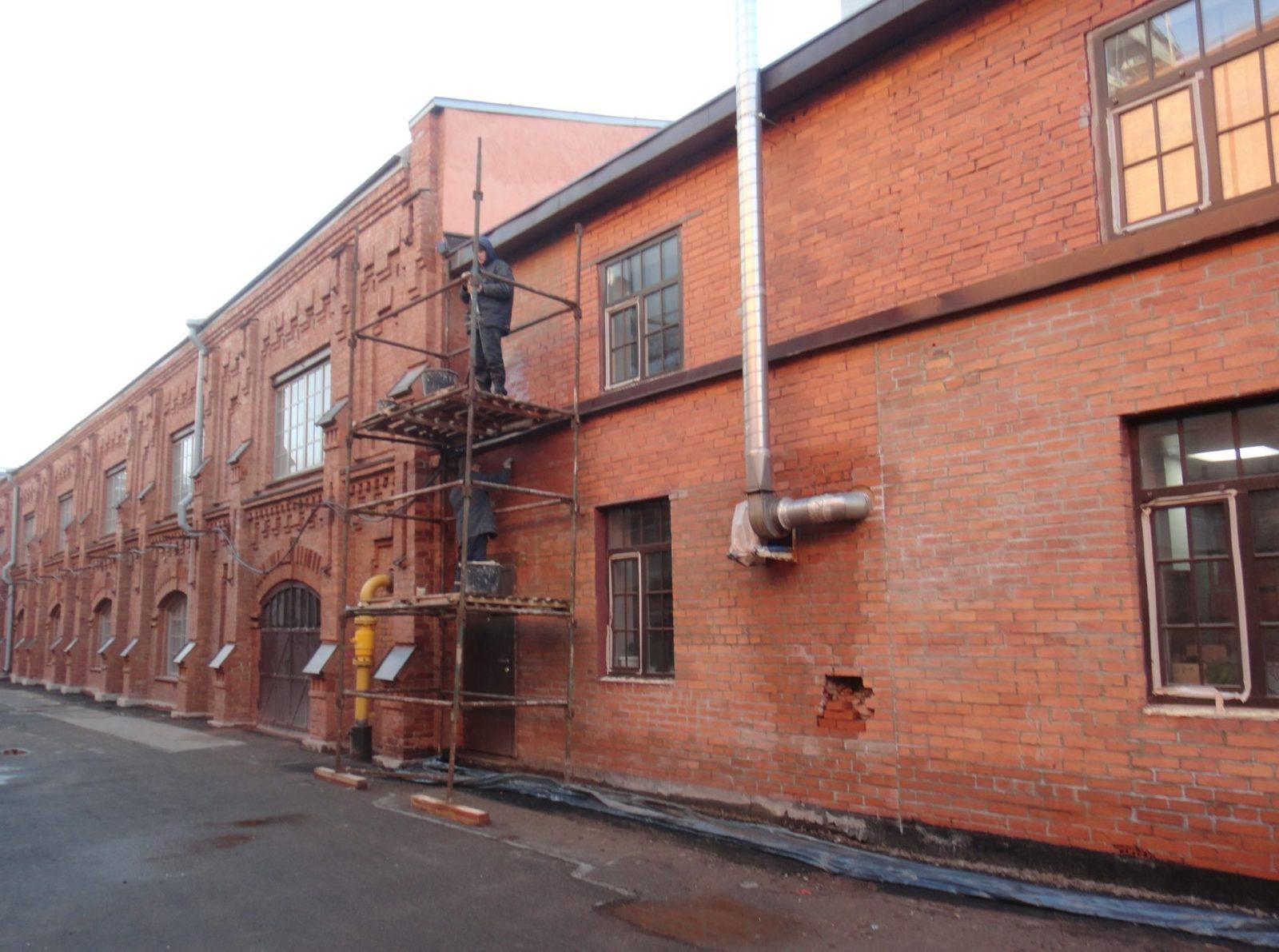 Выполнение работ по реставрации кирпичного фасада здания