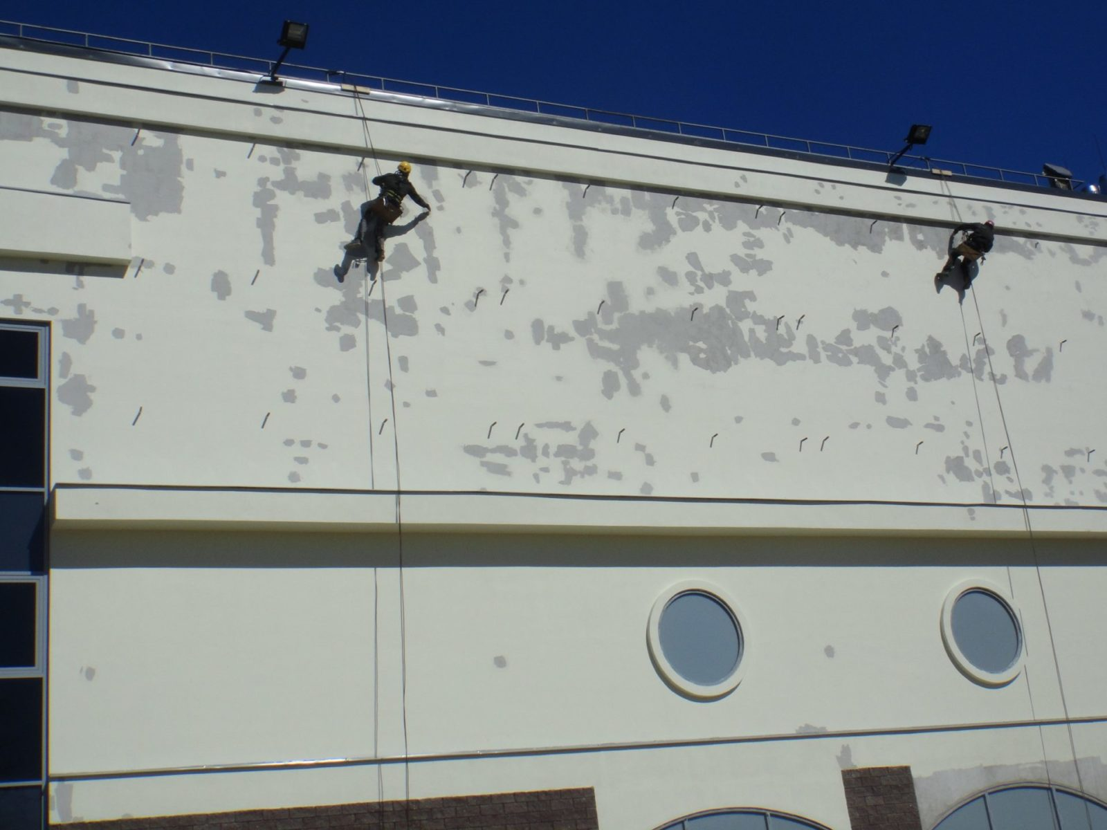 Качественные работы капитального характера по ремонту мягкой кровли производственного помещения в СПб