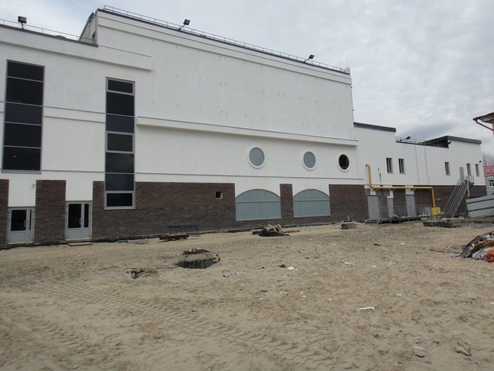 Выполнены работы косметического характера по устройству нового штукатурного фасада для Торгово-Развлекательного Комплекса в Петербурге