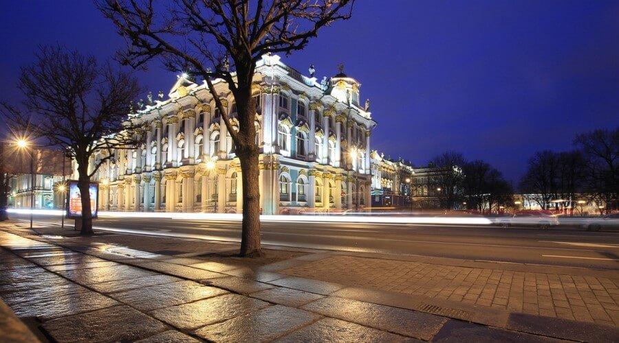 Фасадная подсветка здания