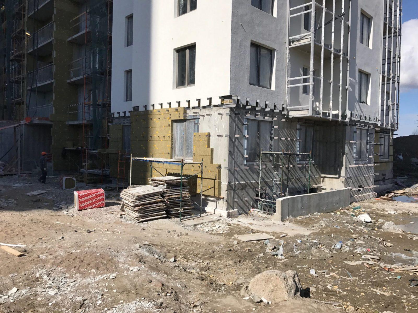 Выполнение работ по устройству вентилируемых фасадов для ПАО «Группа ЛСР» в Петербурге