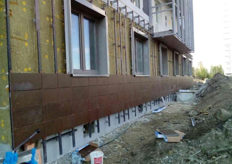 Монтаж фасада из керамогранита в Санкт-Петергурге