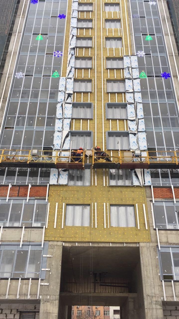 Выполнение работ по устройству вентилируемых фасадов жилого комплекса для ООО «Антс-Групп»