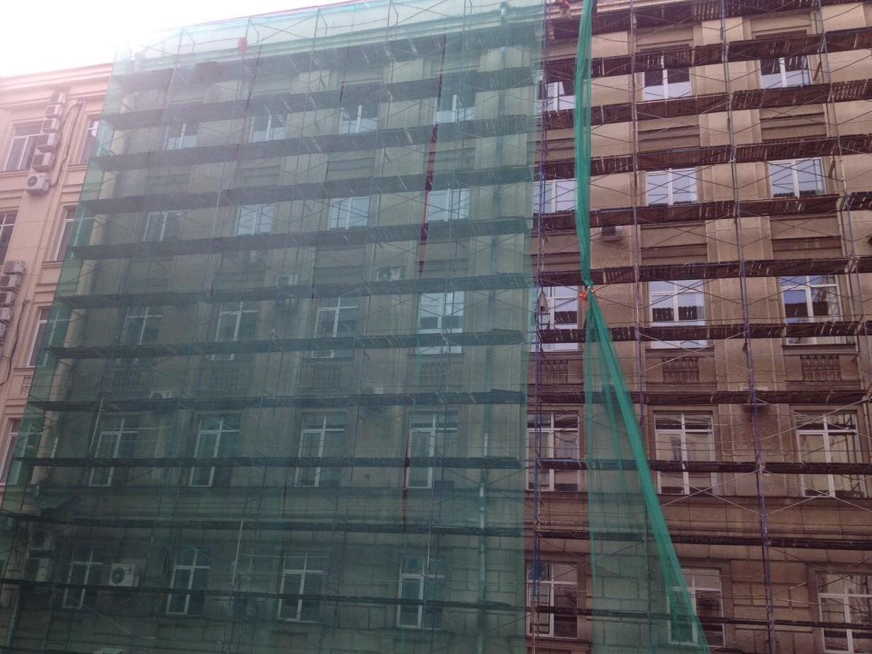 Отдельно были выполнены работы по восстановлению декоративного штукатурного слоя здания в СПб