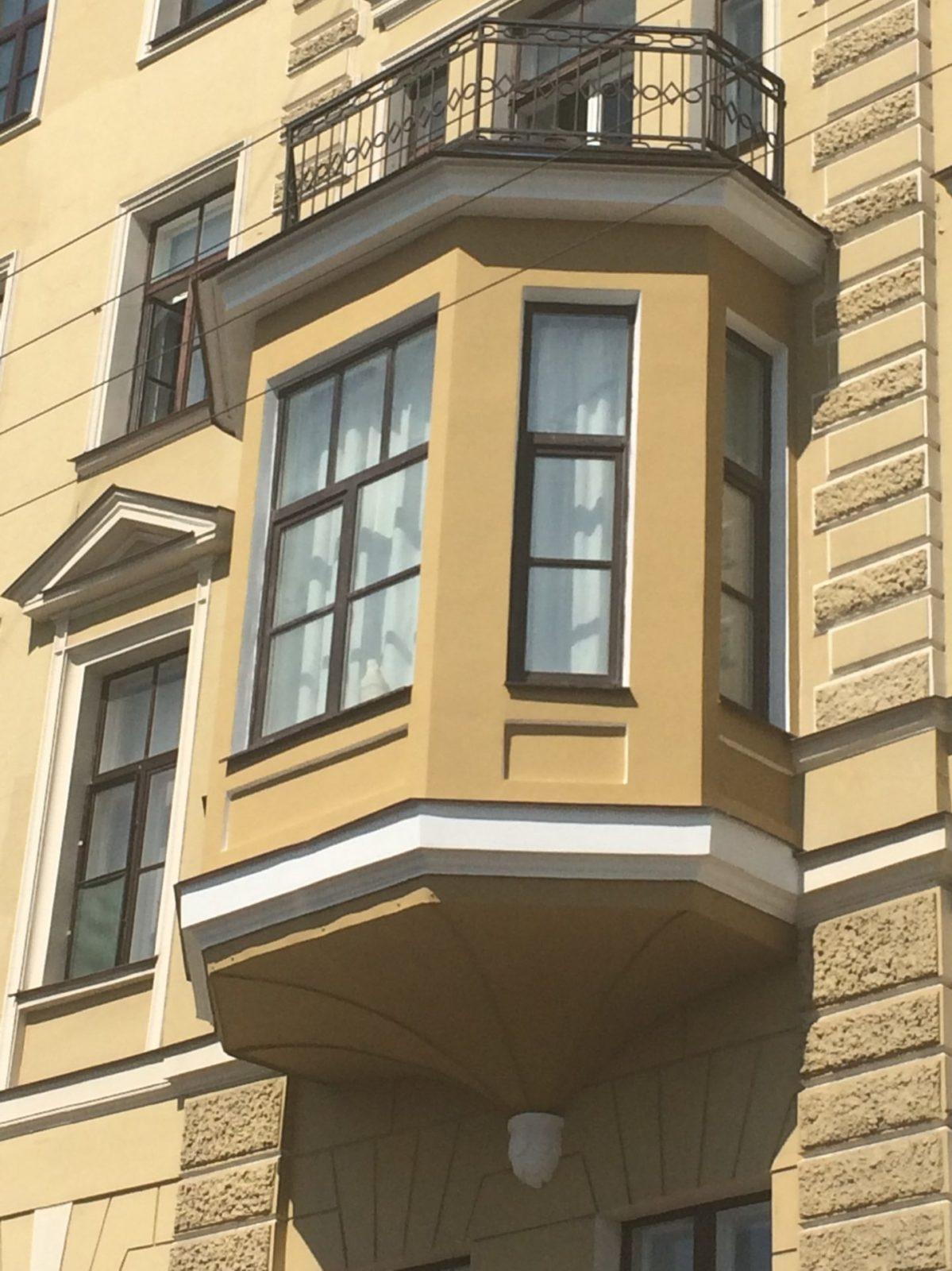 Отремонтированы эркеры фасада здания консульства Нидерландов в С-Петербурге на Набережной р. Мойки д.11