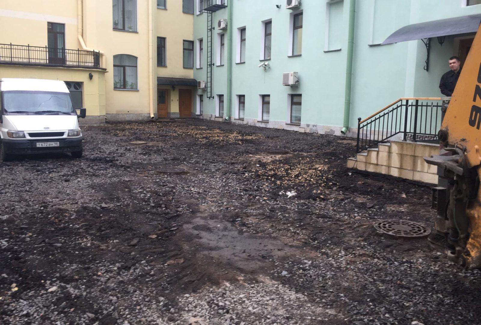 Выполнение работ по благоустройству территории в Петербурге