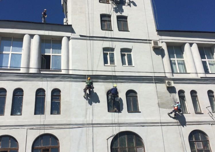 бригада для ремонта фасада дома