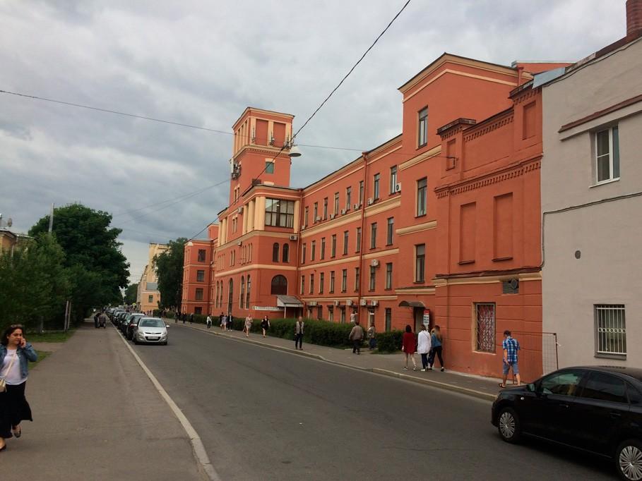 "Выполнение работ по покраске фасада здания для АО ""Светлана-Рентген"" в Спб"