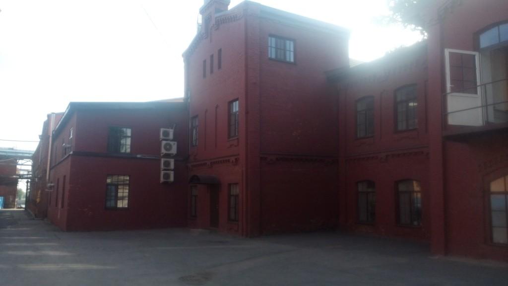 """На объекте производственного корпуса (лаборатории) ОАО """"Невская Косметика"""" были выполнены работы по реставрации кирпичного фасада здания"""