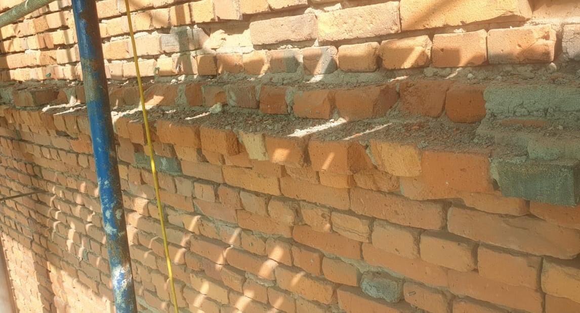 Капитальный ремонт кирпичного фасада в сжатые сроки на Заставской 33 в СПб