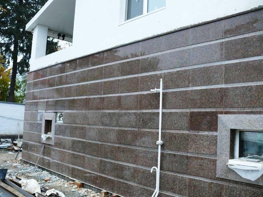 Облицовка фасадов гранитом спб