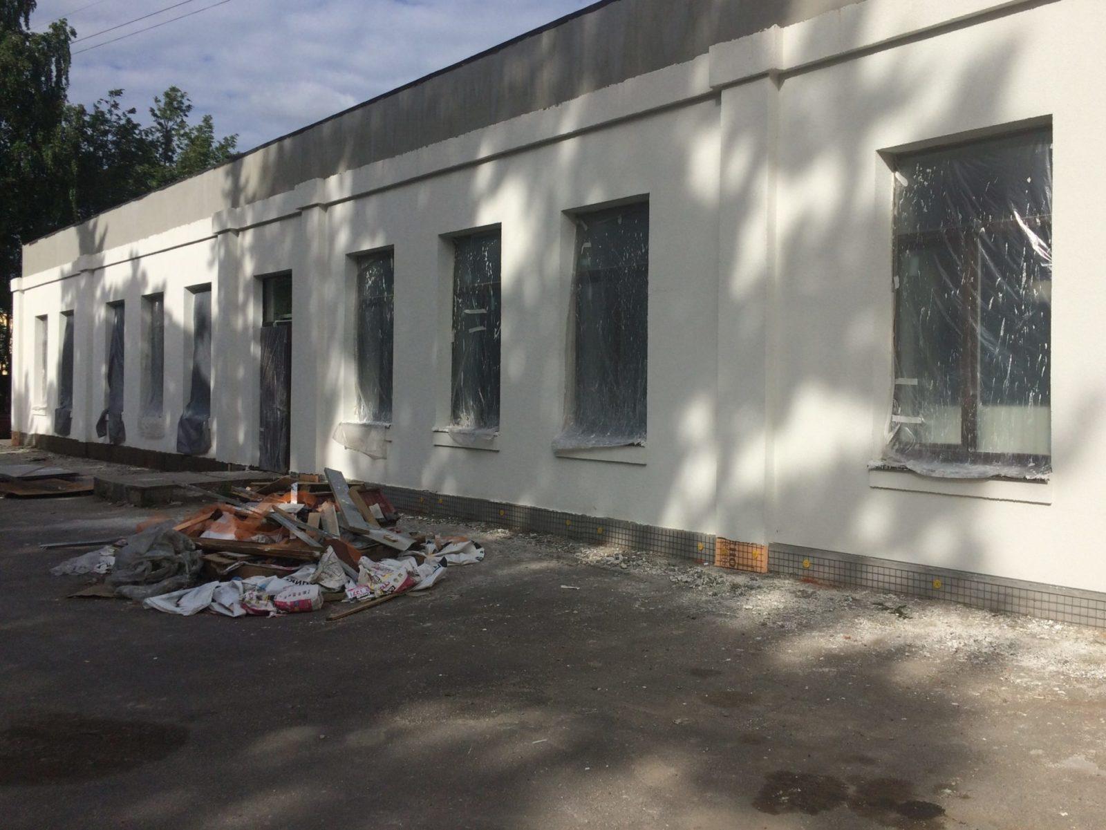 """Проведен качественный ремонт """"мокрого фасада"""" для ООО """"Троя"""" в Питере"""