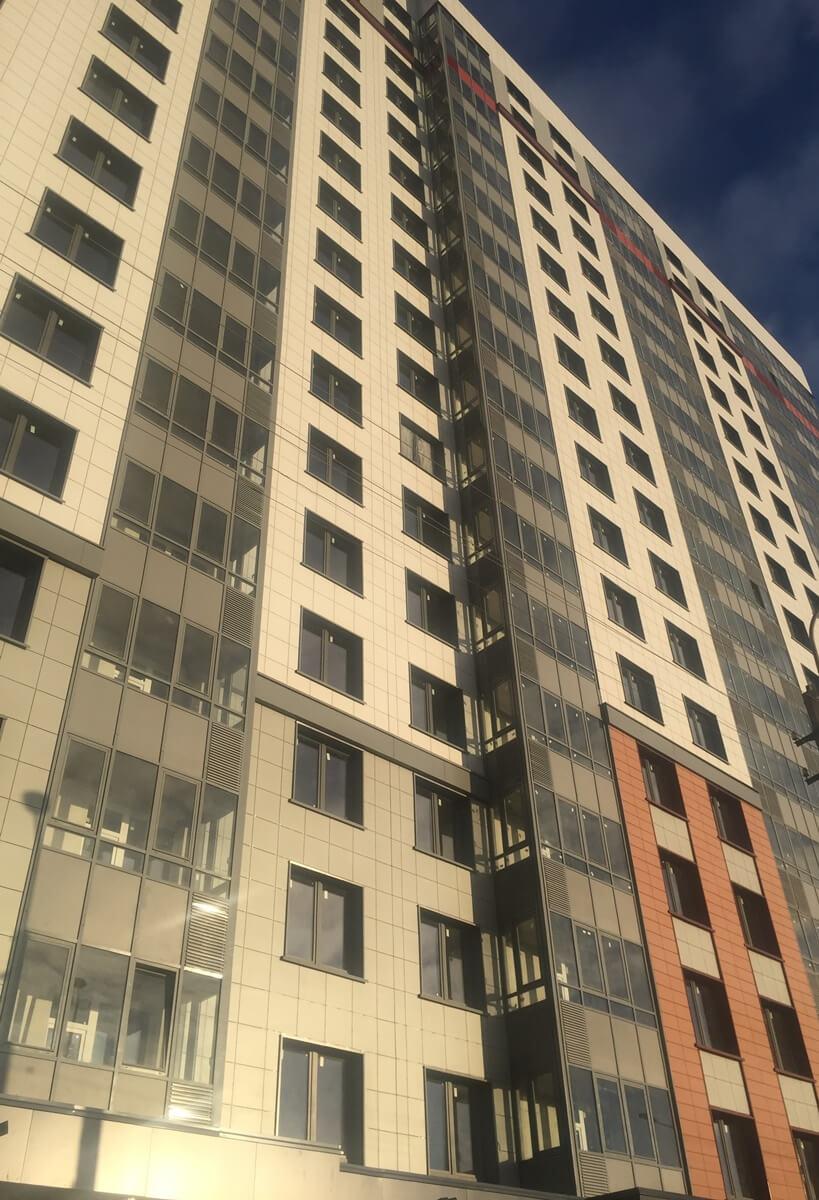 Проведен ремонт фасада здания с облицовкой из керамогранитных плит для ООО ЛенСпецСМУ-Комфорт