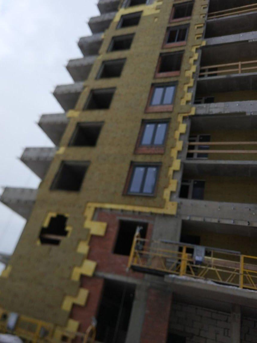 Проведены ремонтные работы вентилируемых фасадов зданий в СПб