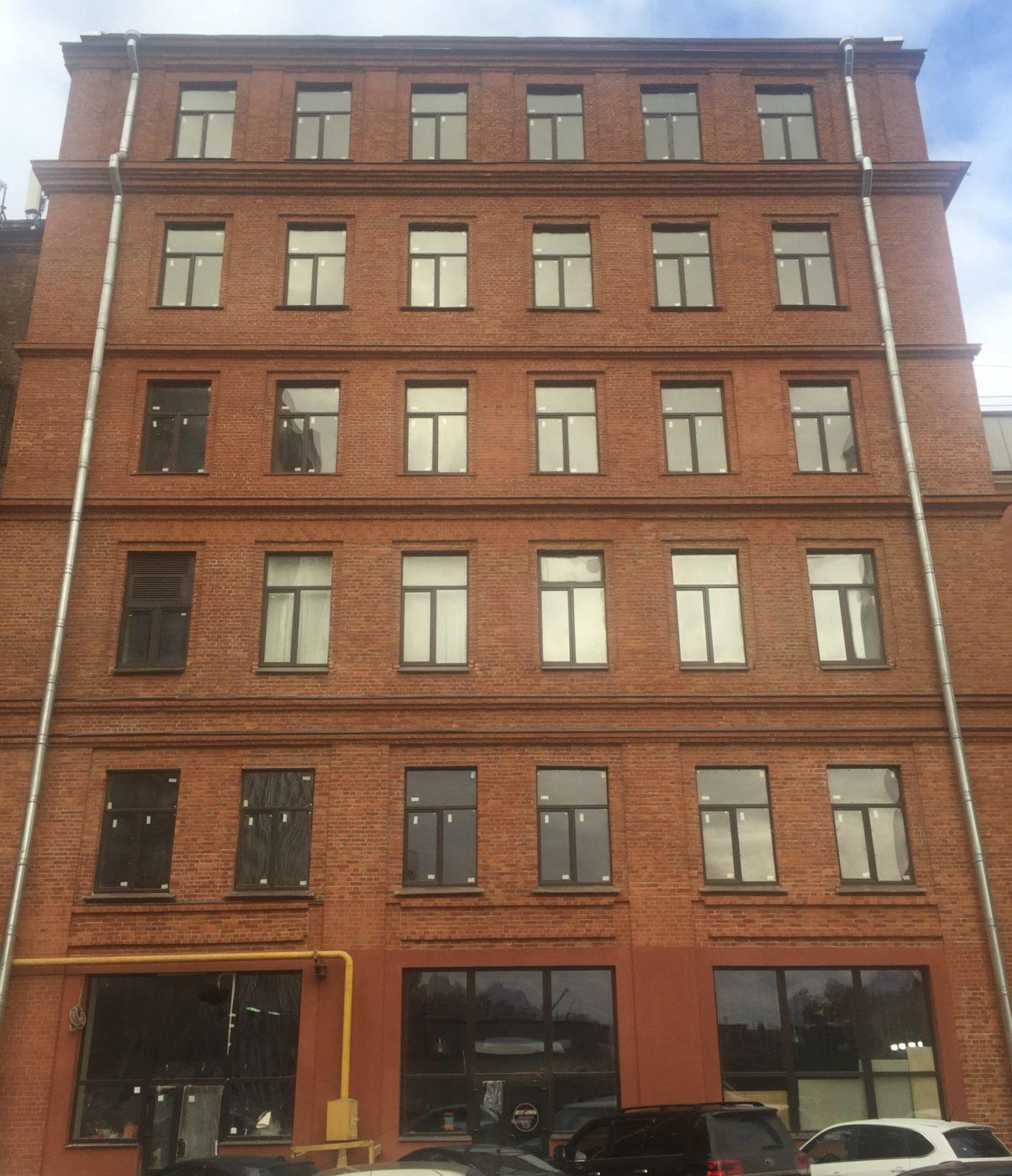 Ремонт фасада здания на Заставской 33 в СПб