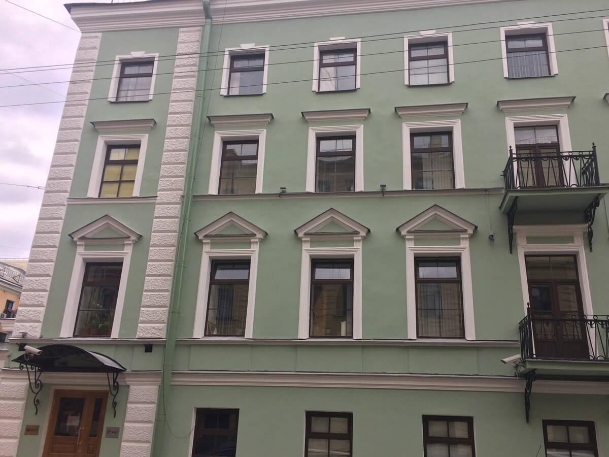 Ремонт фасада здания в короткие сроки в СПб и Лен.области
