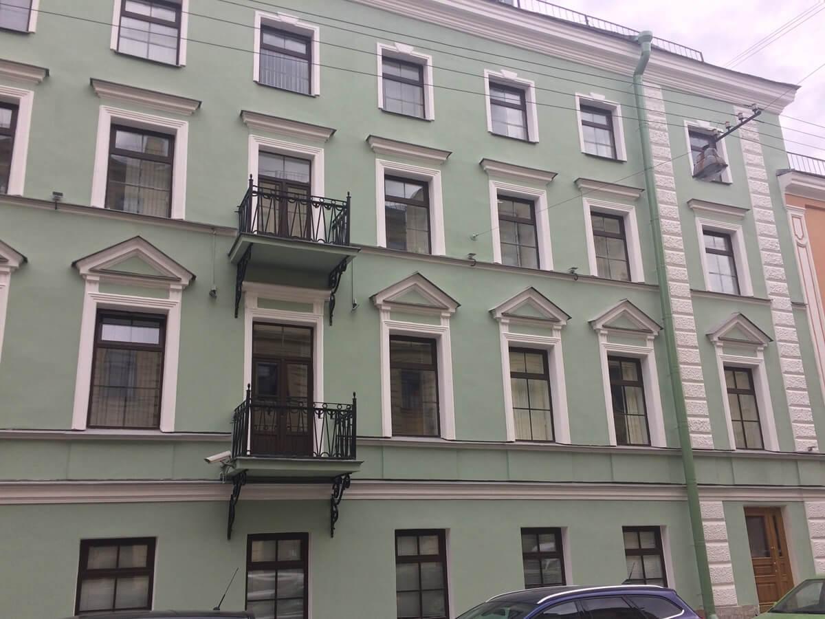 Ремонт фасада здания в сжатые сроки в СПб