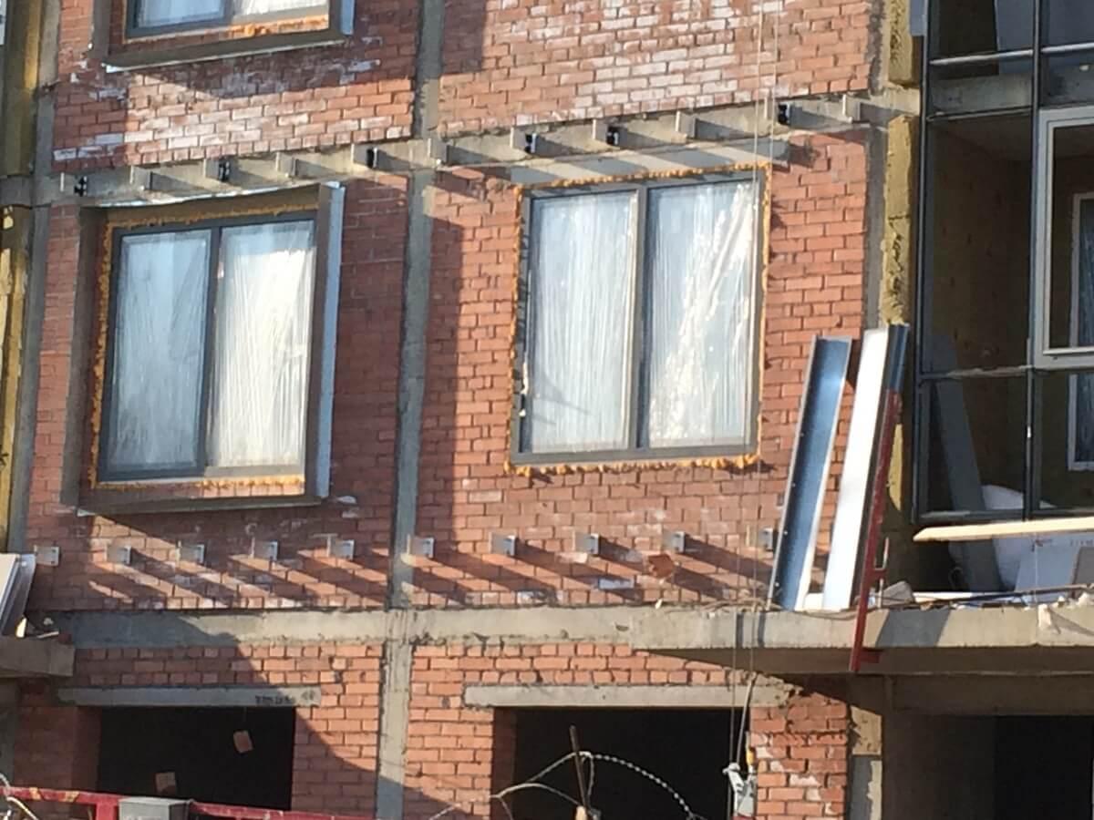Стоимость ремонта вентилируемого фасада здания с облицовкой из керамогранитных плит в СПб и Лен.области