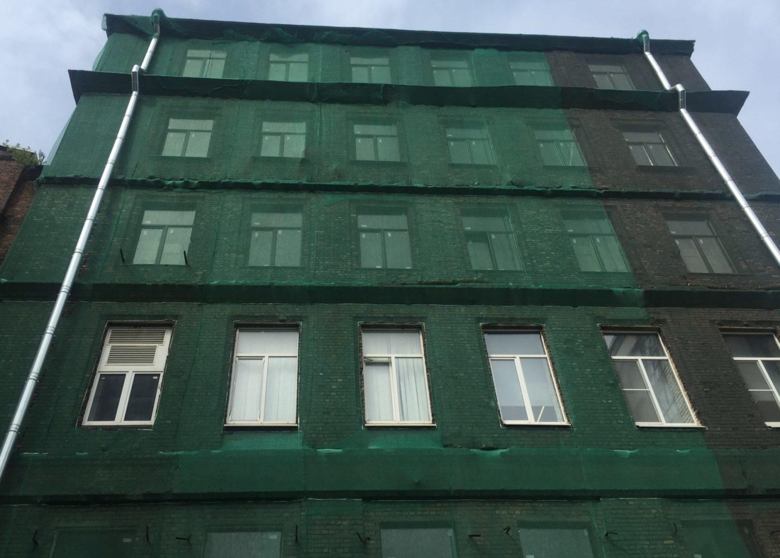 Выполнен качественный ремонт кирпичного фасада на Заставской 33 в СПб