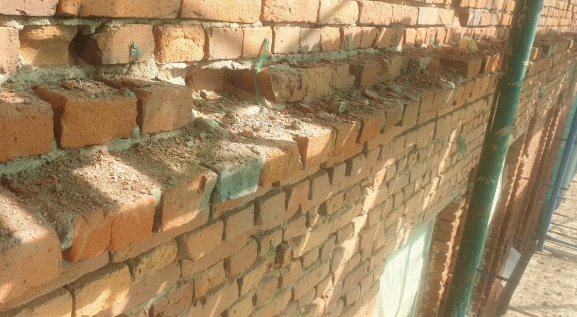 Выполнен капитальный качественный ремонт кирпичного фасада на Заставской 33 в СПб