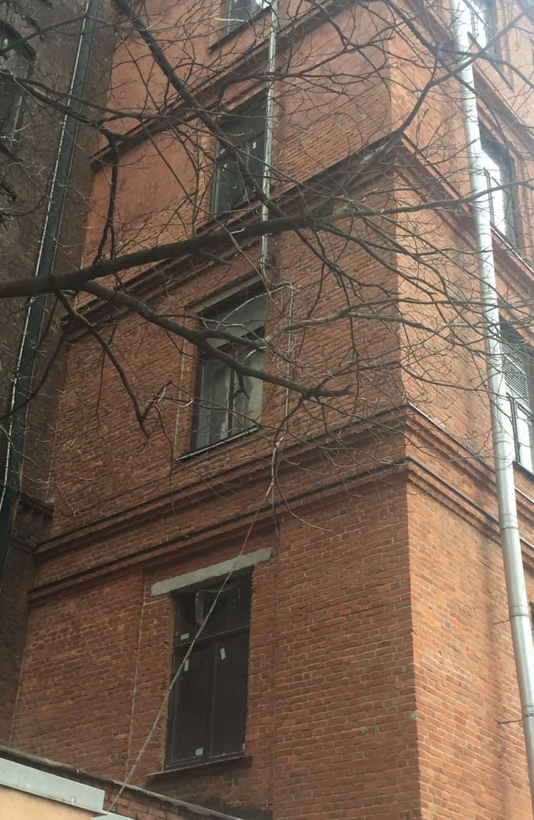 Выполнен капитальный ремонт кирпичного фасада на Заставской 33 в СПб