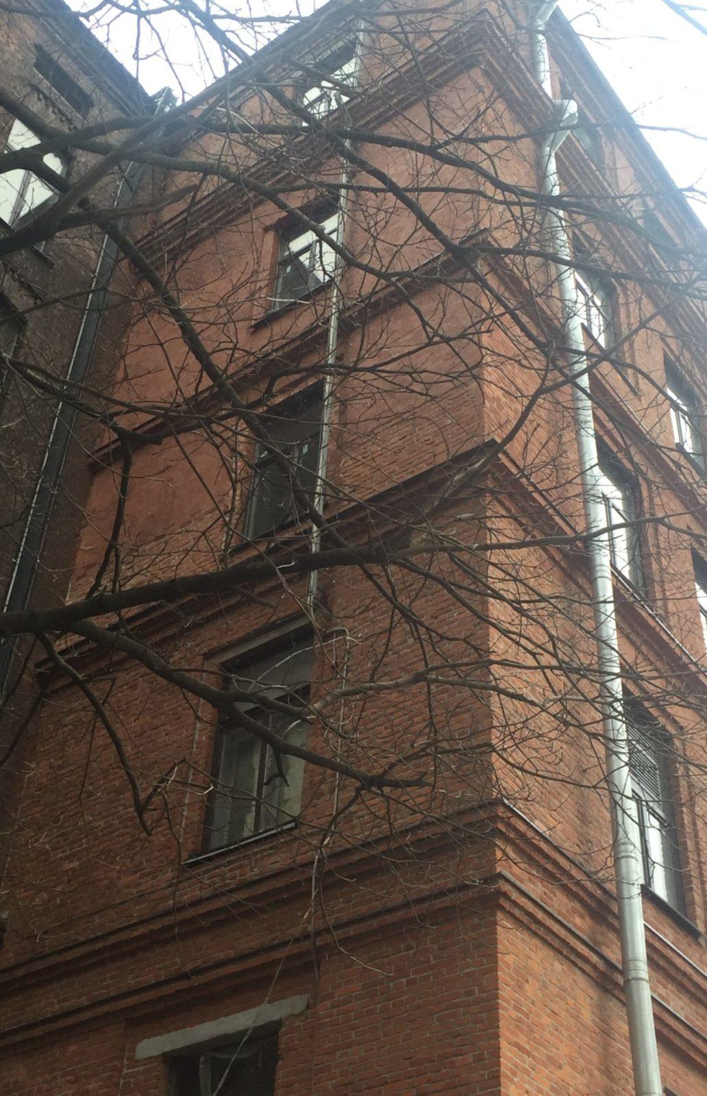 Выполнен ремонт кирпичного фасада капитальный на Заставской 33 в СПб