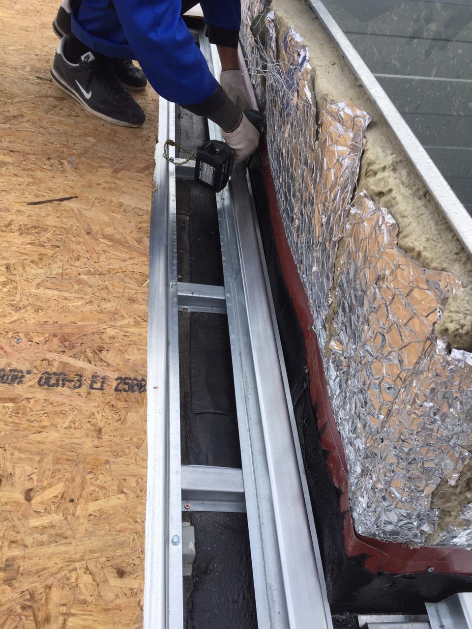 Качественно выполненный монтаж вентиляционных каналов кровли здания с частичной заменой пирога кровли в СПб