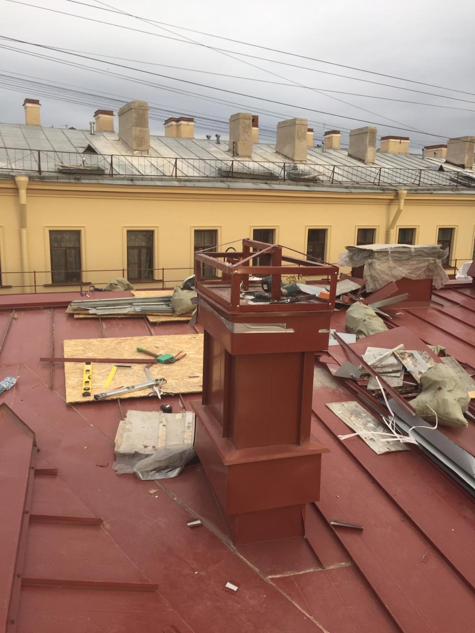 Качественный монтаж вентиляционных каналов кровли здания с частичной заменой пирога кровли