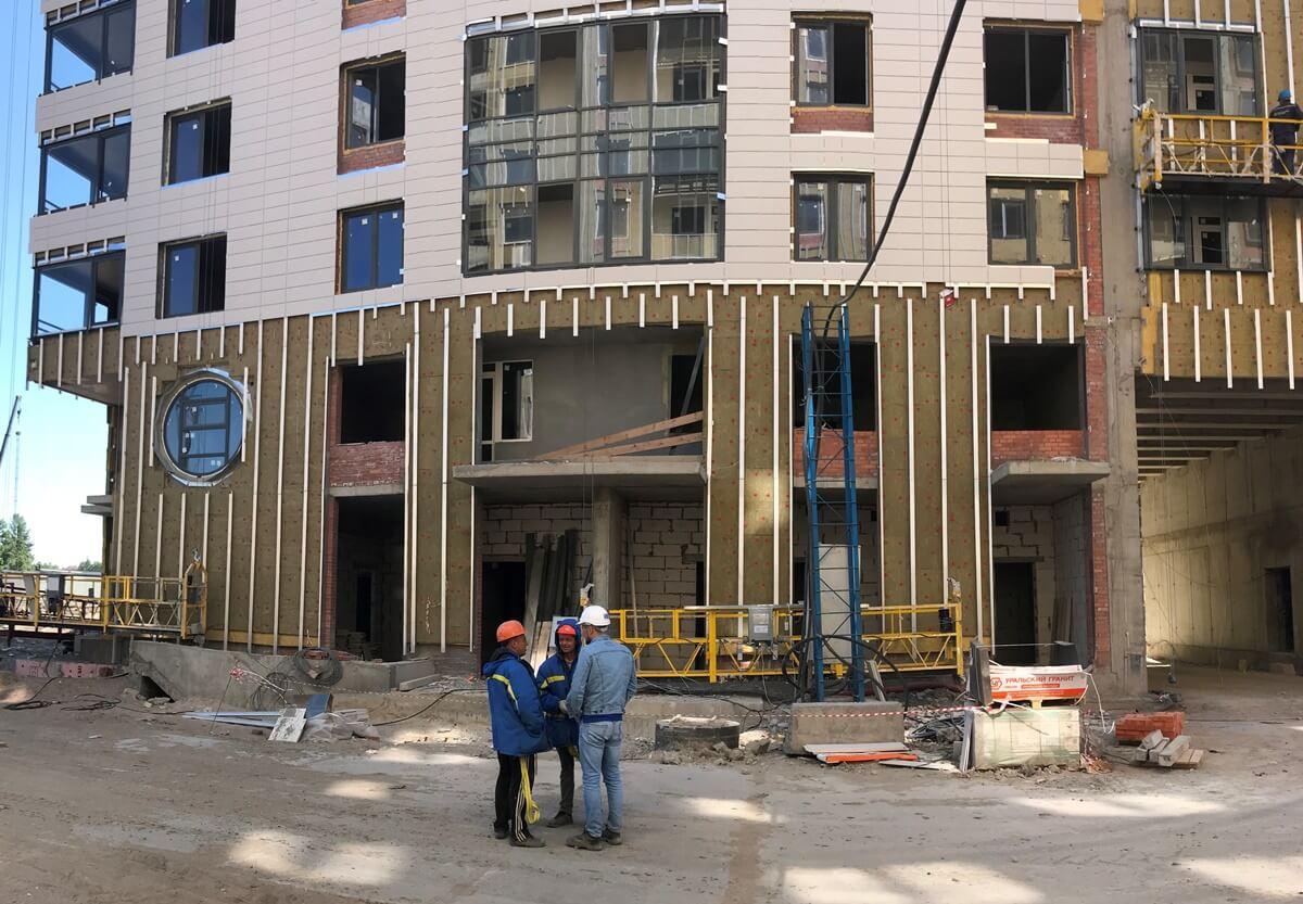 Цена качественного ремонта вентилируемых фасадов зданий в г. Санкт-Петербург