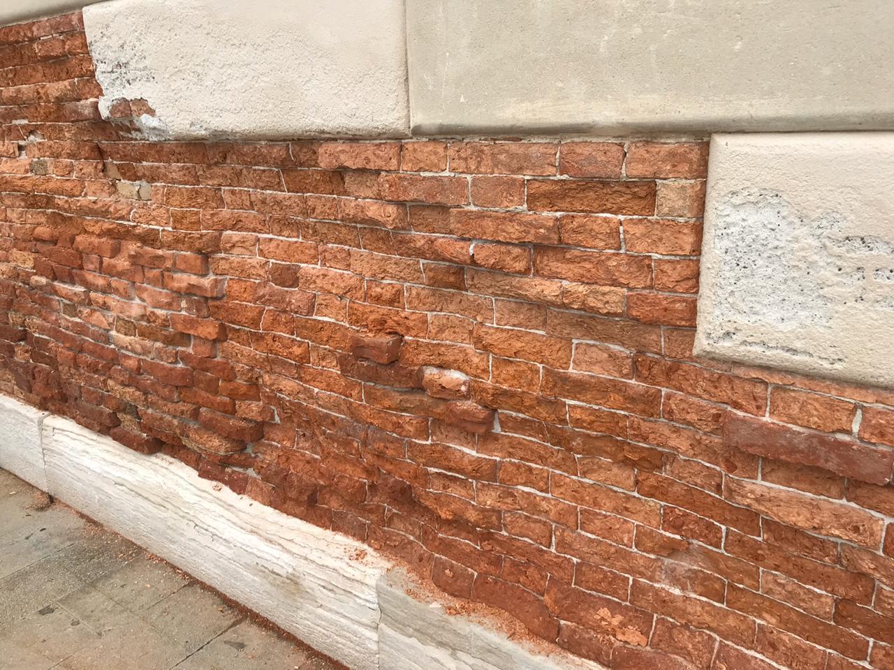 Цена комплексного качественного ремонта фасада в Санкт-Петербурге