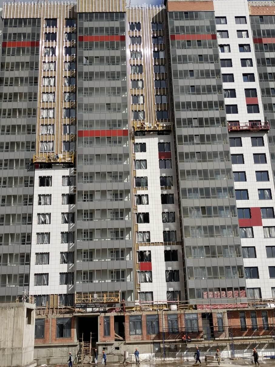 Цены по ремонту и устройству вентилируемого фасада здания с облицовкой из керамогранитных плит в СПб