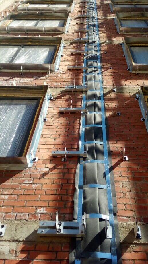 Цены по устройству и ремонту вентилируемого фасада здания с облицовкой из керамогранитных плит в СПб