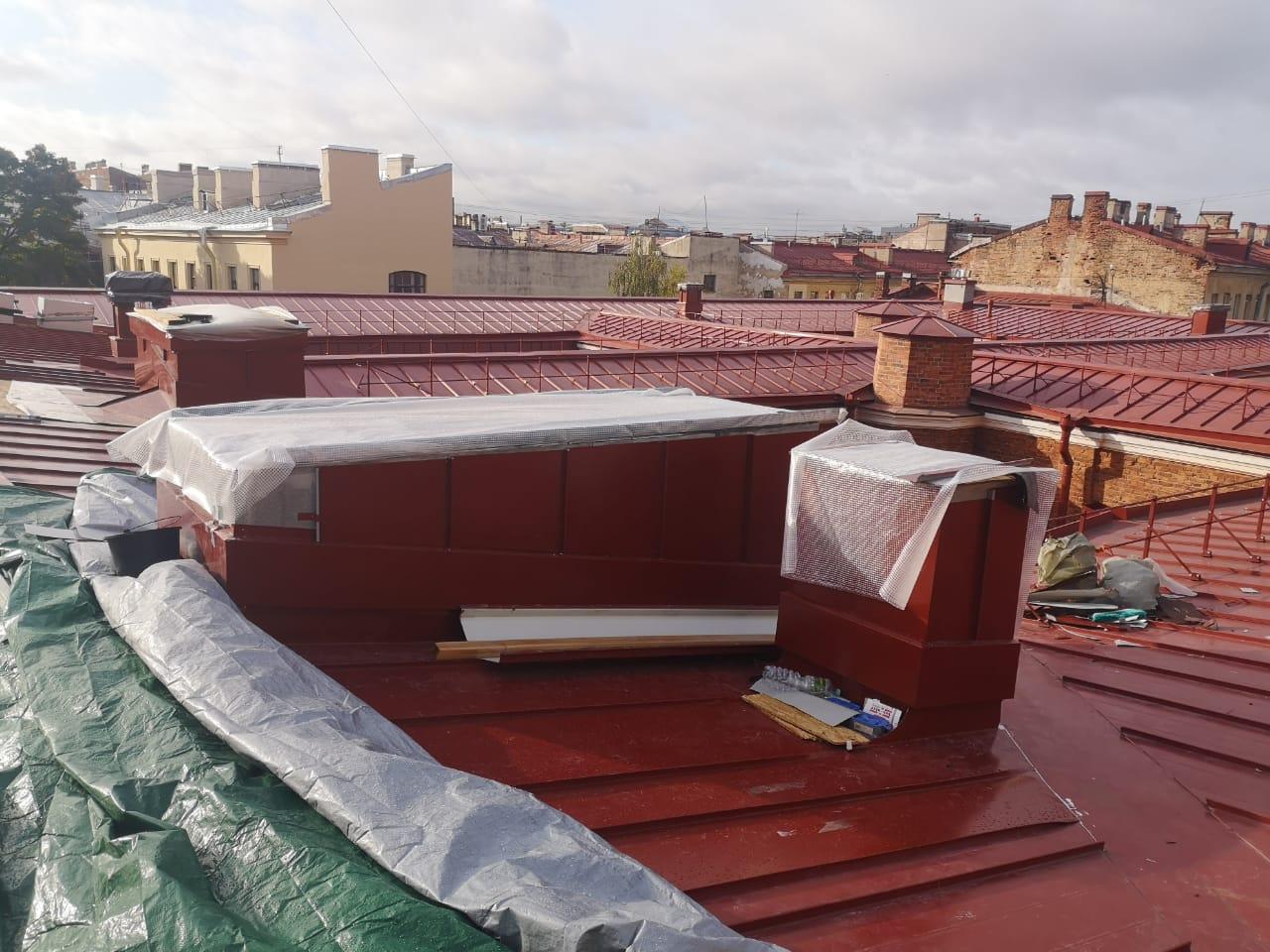 Работы по монтажу вентиляционных каналов кровли здания