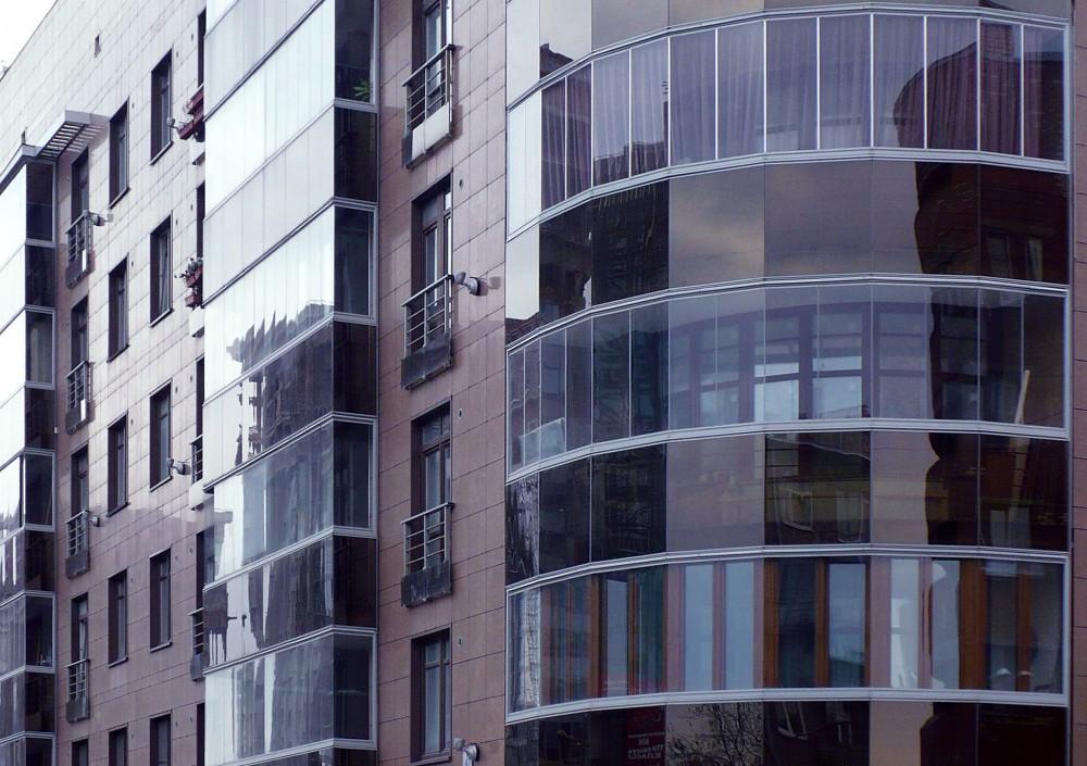 Замена фасадного остекления здания в СПб