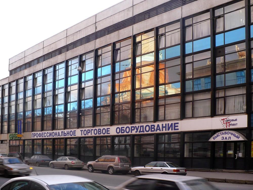 Замена фасадного остекления выставочный зал