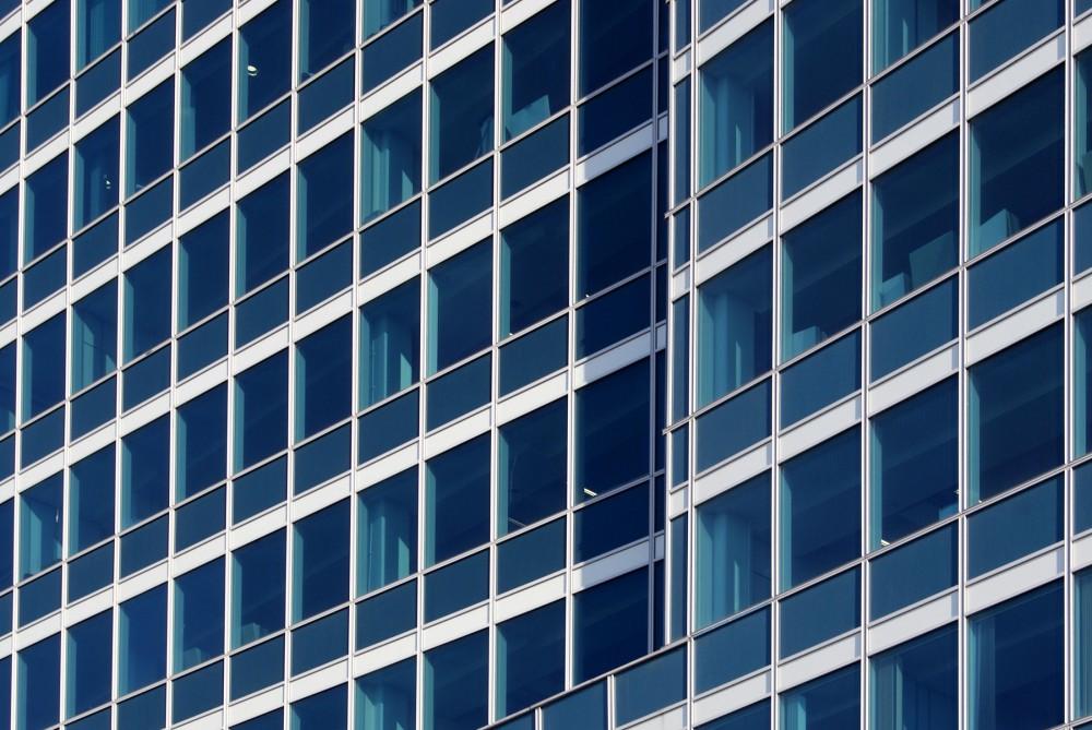 Замена фасадного остекления высотных зданий