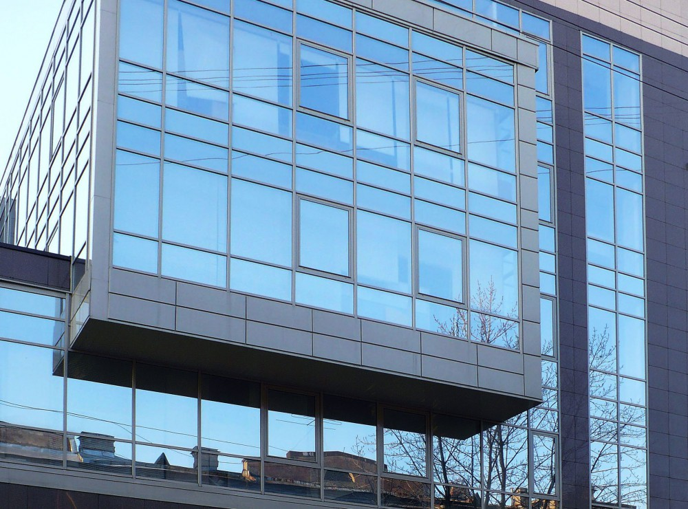 Замена фасадного остекления строений